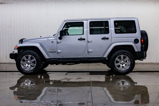 2012 Jeep Wrangler Unlimited 4x4 Sahara Leather Nav Red Deer AB