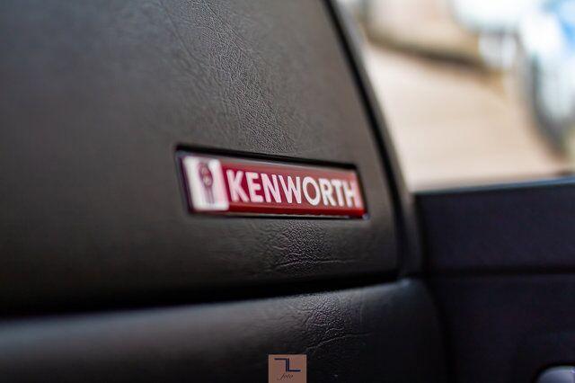 2012 Kenworth T-800 Heavy Spec Tractor Sleeper Red Deer AB