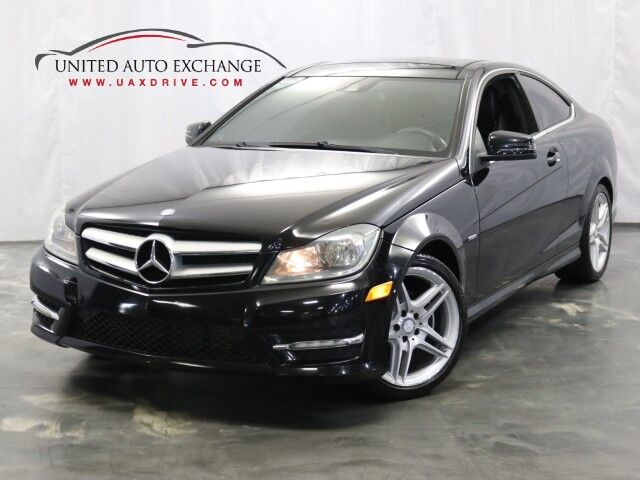 2012 Mercedes-Benz C-Class C 250 Coupe/ 1.8L Turbocharged Engine / RWD / Sunroof / Navigation / Rear View Camera / Heated Leather Seats / Bluetooth / Blind Spot Detection / Harman Kardon Sound System Addison IL