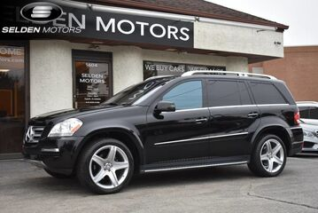 2012_Mercedes-Benz_GL550_4Matic_ Conshohocken PA