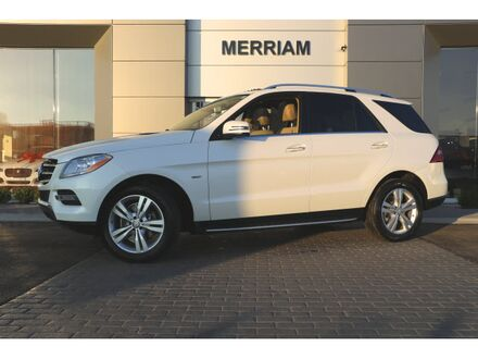 2012_Mercedes-Benz_M-Class_ML 350_ Merriam KS