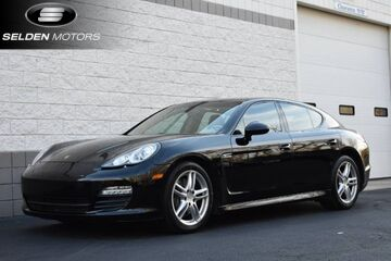 2012_Porsche_Panamera__ Willow Grove PA