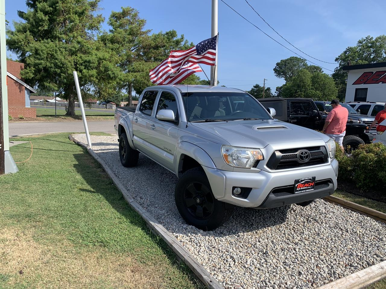2012 TOYOTA TACOMA DOUBLE CAB, WARRANTY,  TRD SPORT PKG, A/C, BACKUP CAM, BRUSH GUARD, CLEAN CARFAX! Norfolk VA