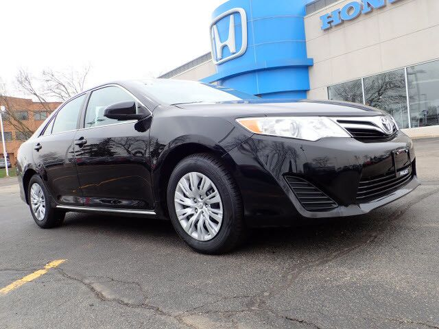 2012 Toyota Camry LE Libertyville IL