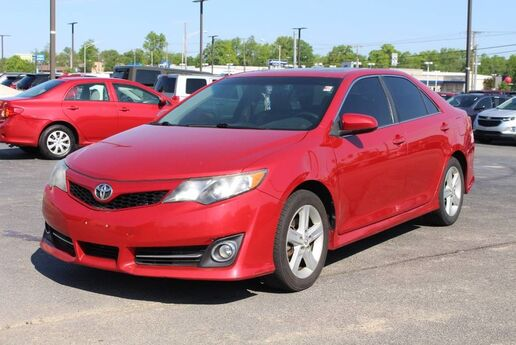 2012 Toyota Camry SE Fort Wayne Auburn and Kendallville IN