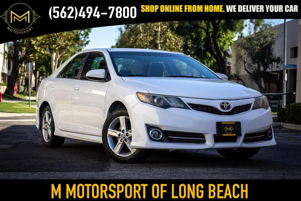2012_Toyota_Camry_SE Sedan 4D_ Long Beach CA
