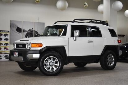 2012_Toyota_FJ Cruiser__ Boston MA