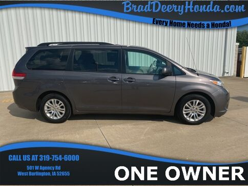 2012_Toyota_Sienna_XLE_ West Burlington IA