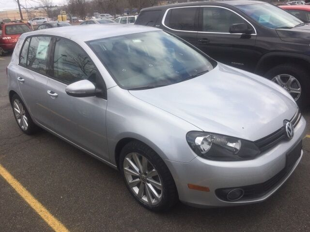 2012_Volkswagen_Golf_TDI_ Kingston NY