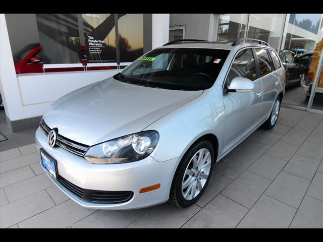2012 Volkswagen Jetta WGN MANUAL TDI W/SUNROOF Brookfield WI