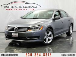 2012_Volkswagen_Passat_2.5L Engine SE w/ Sunroof, Heated Leather Seats, Bluetooth Conne_ Addison IL