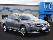 2012_Volkswagen_Passat_SEL_ Libertyville IL