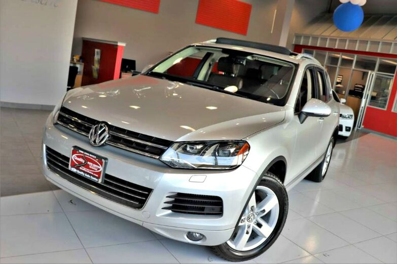 2012 Volkswagen Touareg Lux Sunroof Navigation Tow Hitch 1 Owner Diesel Springfield NJ