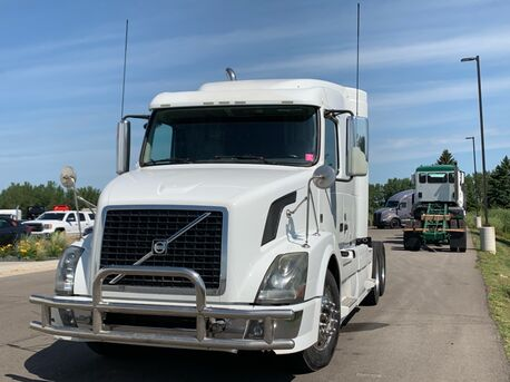 2012_Volvo_630_Mid Roof_ Eau Claire MN