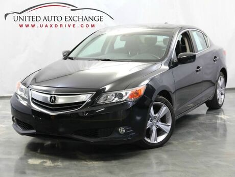 2013 Acura ILX Premium Pkg / 2.0L 4-Cyl Engine / FWD / Sunroof / Bluetooth Connectivity / Rear View Camera / Heated Leather Seats / Push Start Button Addison IL