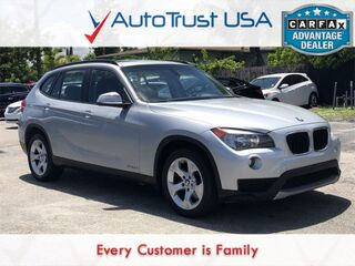 BMW X1 sDrive28i CLEAN CARFAX PANO ROOF LEATHER LOW MILES BLUETOOTH 2013