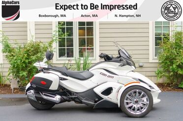 2013_Can-Am_Spyder_ST Limited SE5_ Boxborough MA