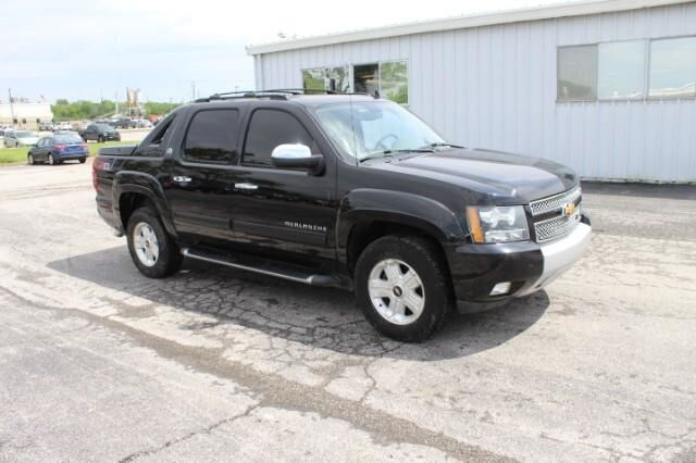 2013 Chevrolet Avalanche 4WD Crew Cab LT Fort Scott KS