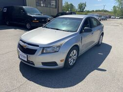 2013_Chevrolet_Cruze_LS_ Cleveland OH