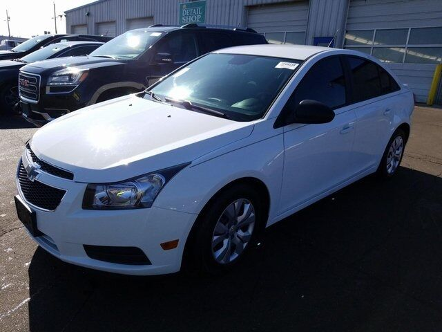 2013 Chevrolet Cruze LS Plymouth WI