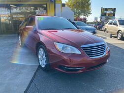 2013_Chrysler_200_4d Sedan LX_ Albuquerque NM