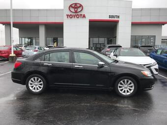 2013_Chrysler_200_4dr Sdn Limited_ Richmond KY