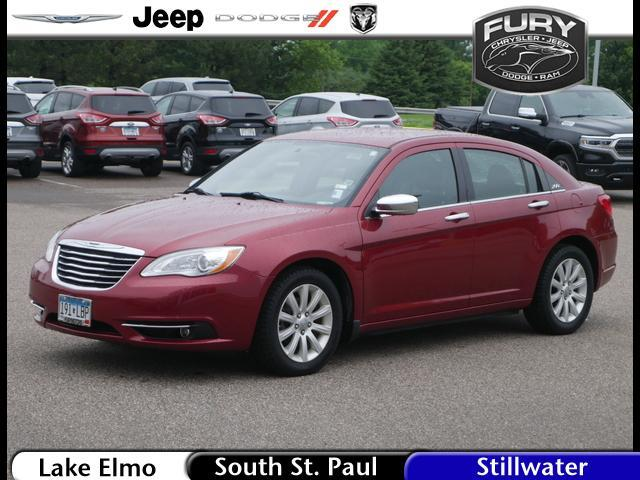 2013 Chrysler 200 4dr Sdn Limited St. Paul MN