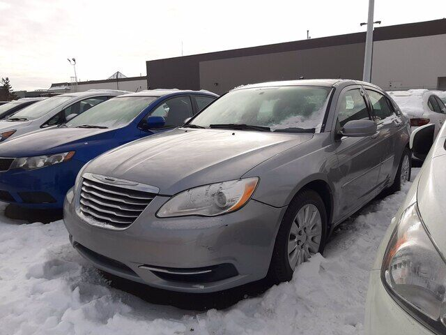 2013 Chrysler 200 LX | BLUETOOTH | CLEARANCE SPECIAL Calgary AB