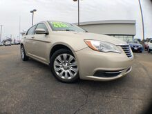 2013_Chrysler_200_LX_ Jackson MS