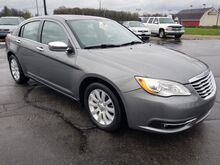 2013_Chrysler_200_Limited_ Fort Wayne Auburn and Kendallville IN