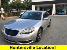 2013_Chrysler_200_Limited_ Hickory NC
