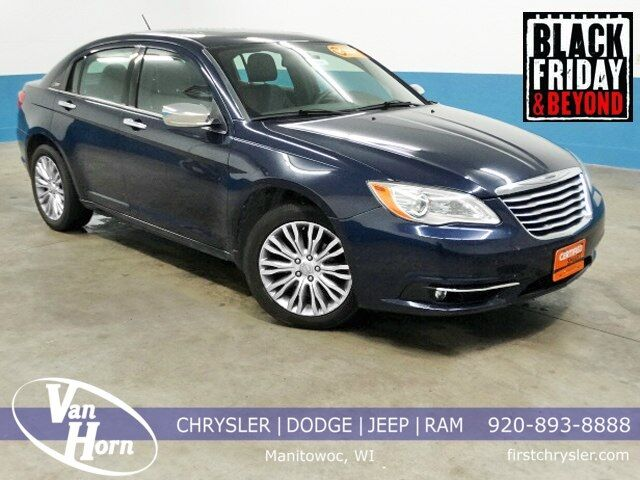 2013 Chrysler 200 Limited Plymouth WI