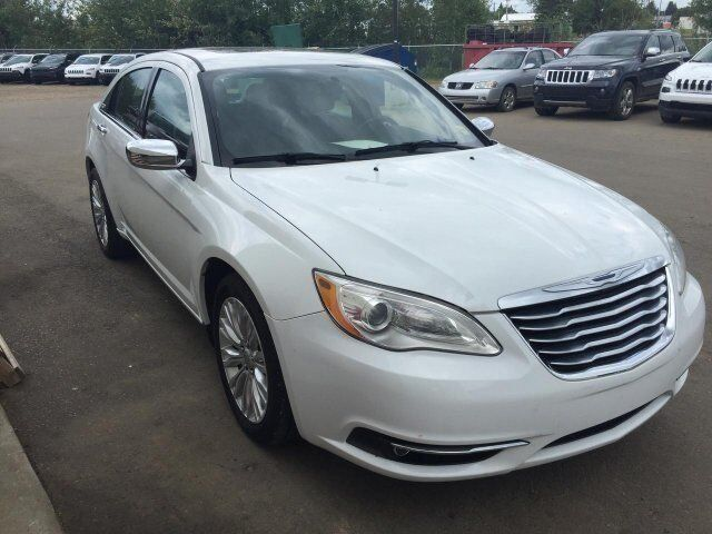 2013 Chrysler 200 Limited V6 Leather Sunroof PRICE DROP! Redwater AB