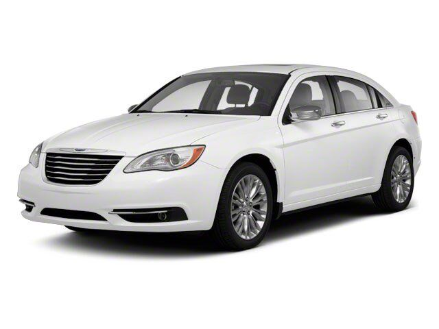 2013 Chrysler 200 Touring Akron OH