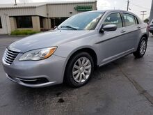 2013_Chrysler_200_Touring_ Fort Wayne Auburn and Kendallville IN
