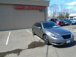 2013_Chrysler_200_Touring_ Patchogue NY