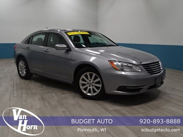 2013 Chrysler 200 Touring Plymouth WI