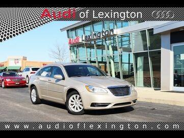 2013_Chrysler_200_Touring_ Richmond KY