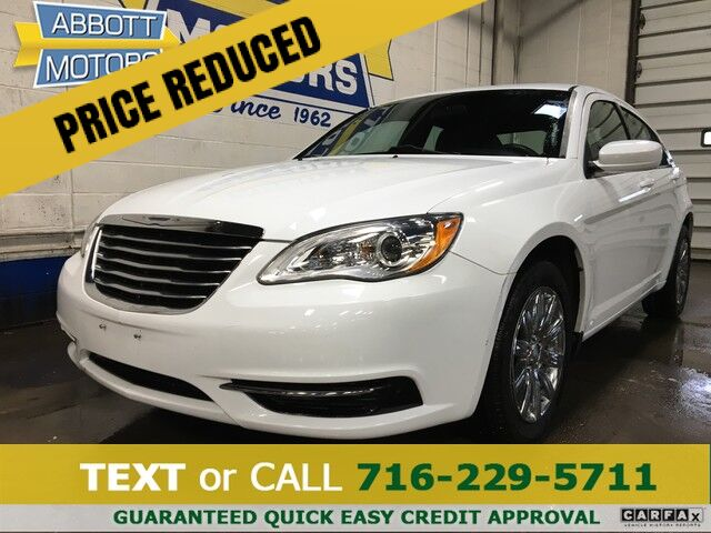 2013 Chrysler 200 Touring w/Chrome Wheels & Low Miles Buffalo NY