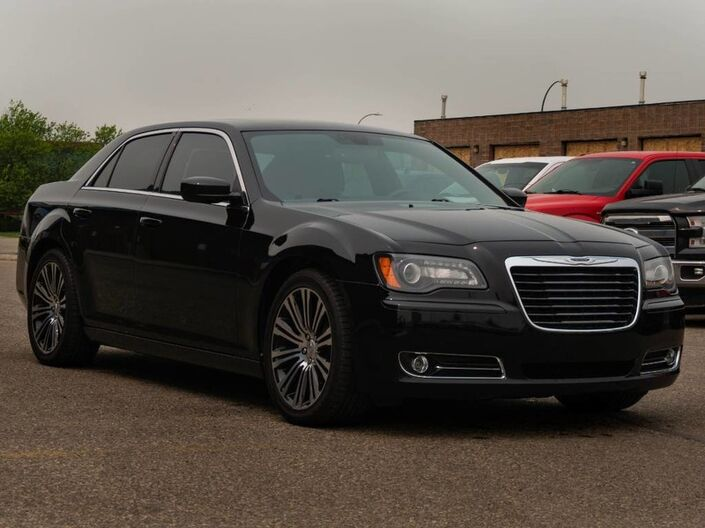 2013 Chrysler 300 300S - NEW TIRES - HEATED AND COOLED LEATHER SEATS - DRE BEATS STEREO Lethbridge AB