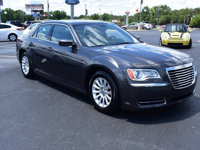 2013 Chrysler 300 Base Batesville AR