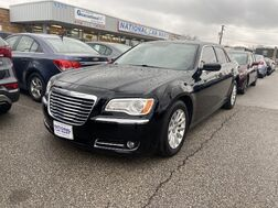 2013_Chrysler_300_Motown_ Cleveland OH