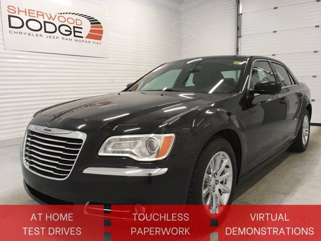 2013 Chrysler 300 Touring | HTD SEATS | PANO SUNROOF | CLN CARFAX