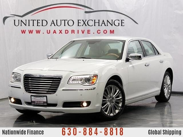 2013 Chrysler 300C AWD v6 w/ Navigation, Front and Rear Parking Aid with Rear View Camera, Blind Spot Monitor Addison IL