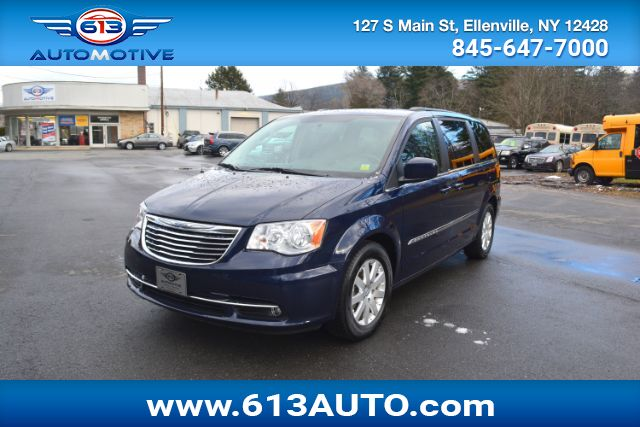 2013 Chrysler Town & Country Limited Ulster County NY