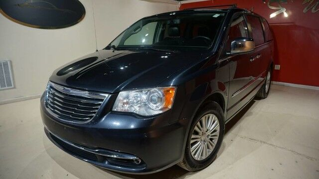 2013 Chrysler Town & Country Limited Indianapolis IN