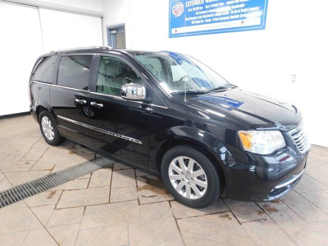 2013 Chrysler Town & Country Limited Listowel ON