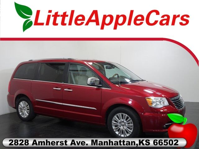 2013 Chrysler Town & Country Limited Manhattan KS
