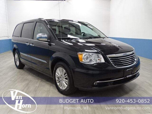 2013 Chrysler Town and Country Limited Plymouth WI