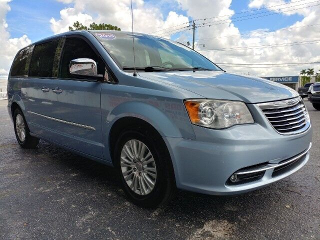2013_Chrysler_Town & Country_Limited_ Fort Myers FL